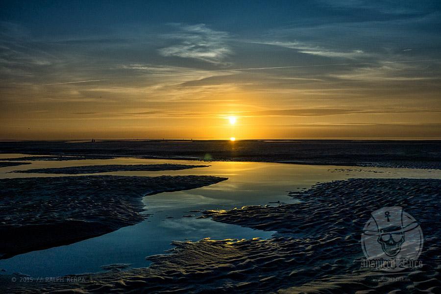 Sonnenuntergang am Nordseestrand in Norddorf auf Amrum // Foto: Ralph Kerpa