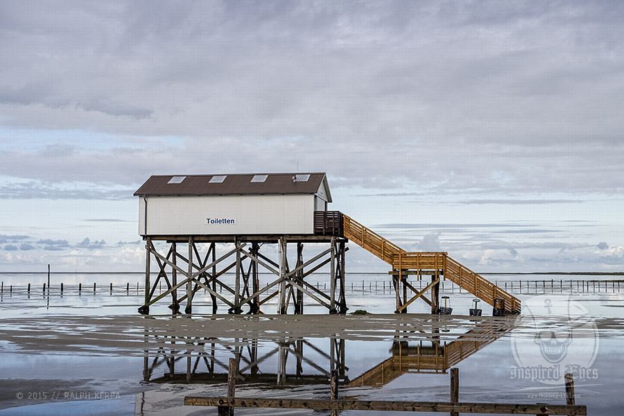 Pfahlhaus an der Nordsee am Strand von St. Peter-Ording // Foto: Ralph Kerpa