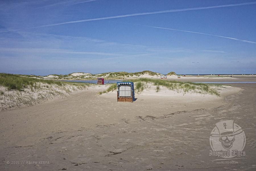 Strandkörbe am endlosen Kniepsand auf Amrum // Foto: Ralph Kerpa